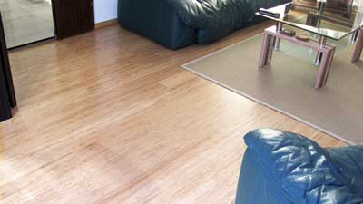 Solid strand woven bamboo click floating floor